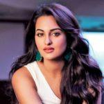 Half nude Sonakshi Sinha photos (30)