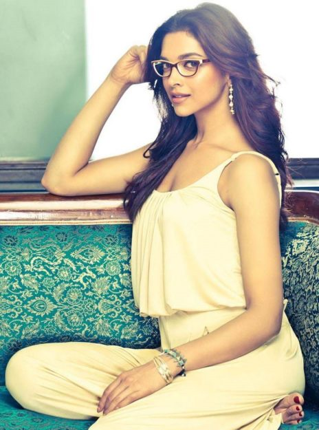 The 49 Absurdly Deepika Padukone Sexy Photos-5454