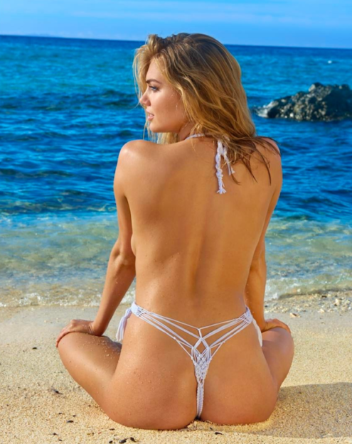 Kate Upton Bikini and swimsuits pics (1)