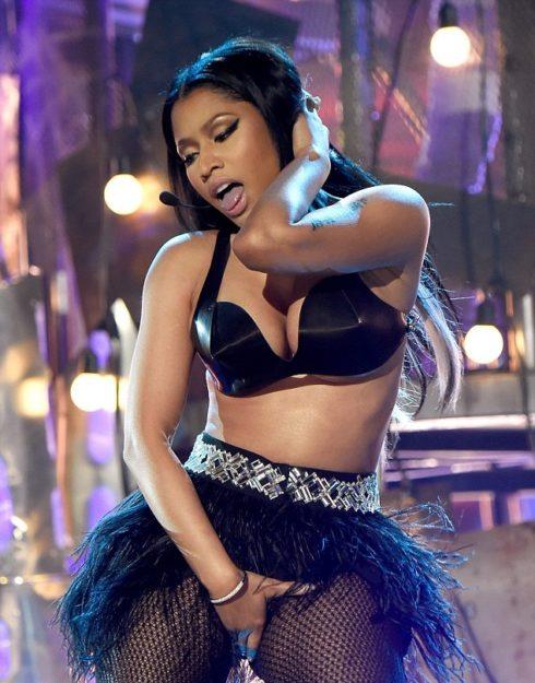Nicki Minaj Exquisitely hot Bikini (13)