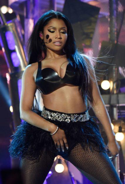Nicki Minaj Exquisitely hot Bikini (15)