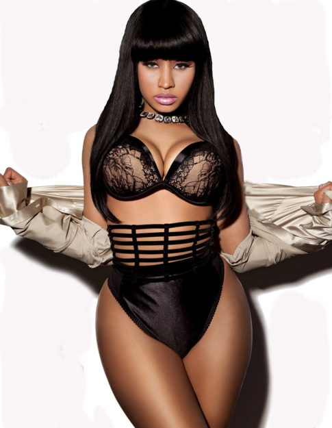 Nicki Minaj Exquisitely hot Bikini (3)