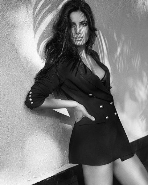 34 Katrina Kaif Insanely Hot Photos  Bikini And Swimsuit Pics-8396