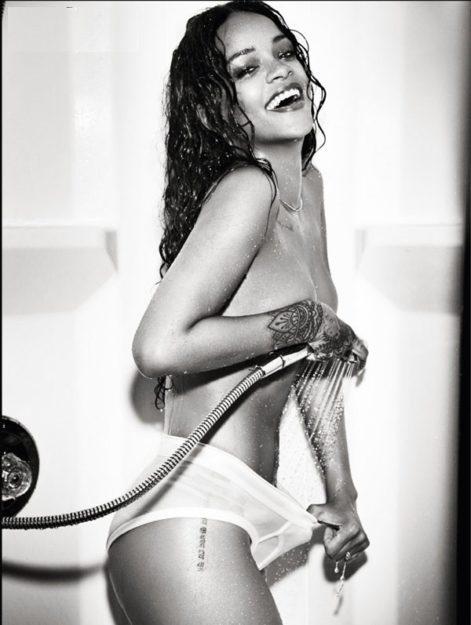 41 Rihanna Hot Half-Nude Photos (18)