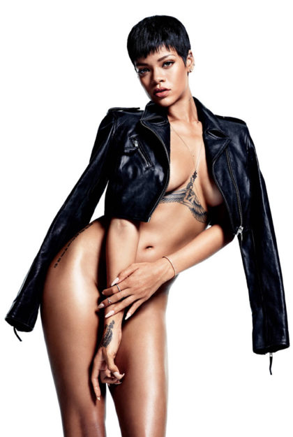 41 Rihanna Hot Half-Nude Photos (27)