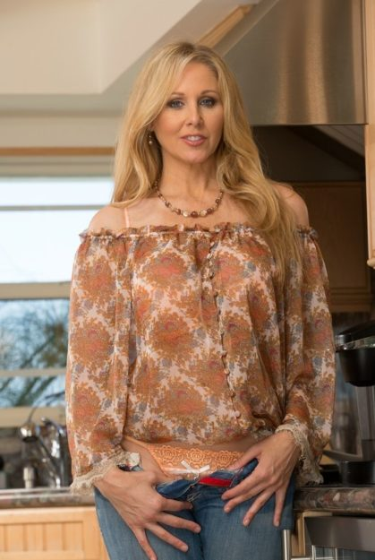 Julia Ann The Top 10 Hottest MILF of All Time