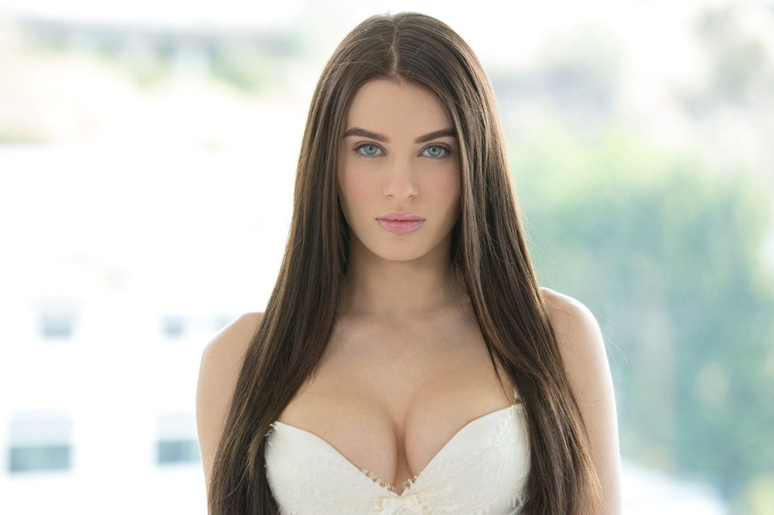 The Top 10 Hottest Young Porn Stars Of All Time-6855