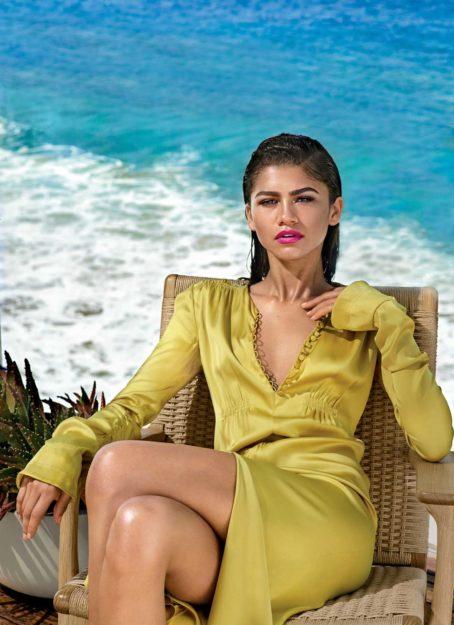 Zendaya absurdly hot photos (21)