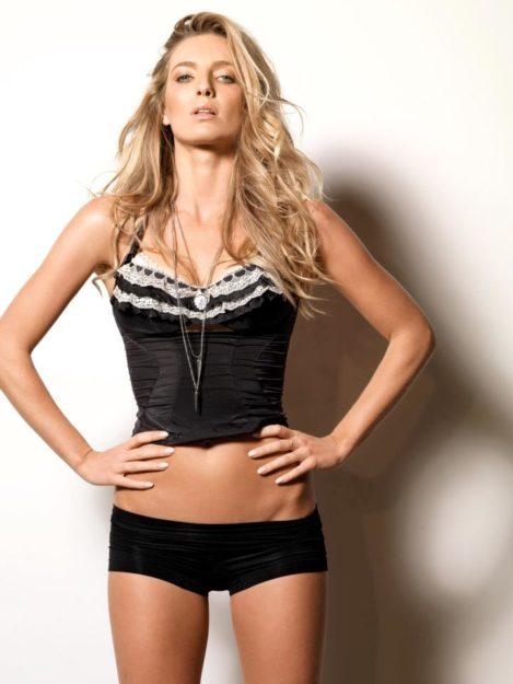 Annabelle Wallis Hot pics 1