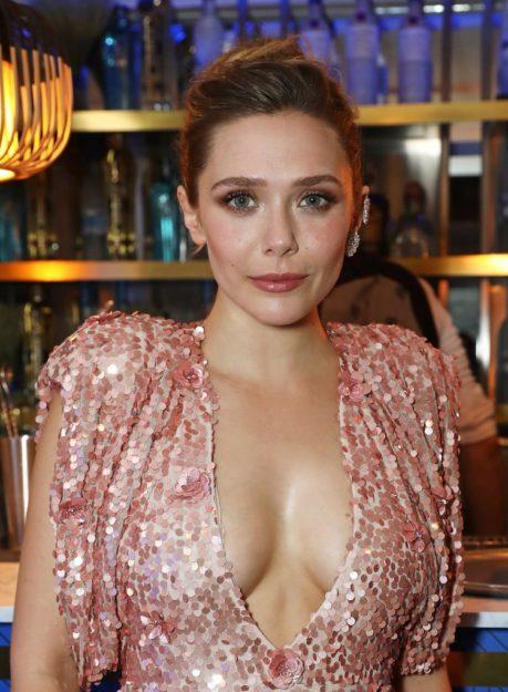 Hot Half nude pics Elizabeth Olsen