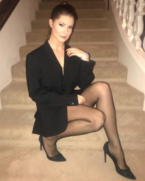 Amanda Cerny sexy half-nude pics - 14