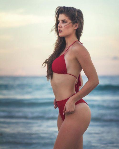 Hot pics cerny amanda Amanda Cerny