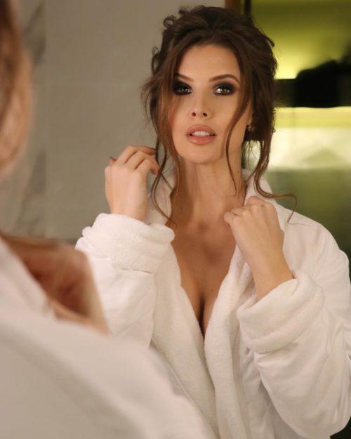 Amanda Cerny sexy half-nude pics - 5