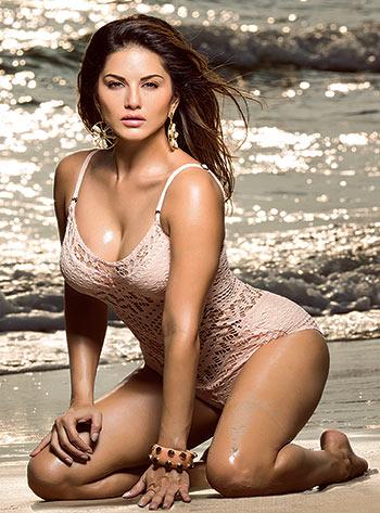 Absurdly Stunning Sunny Leone Sexy Photo - 20