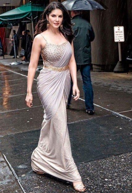 Absurdly Stunning Sunny Leone Sexy Photos - 9
