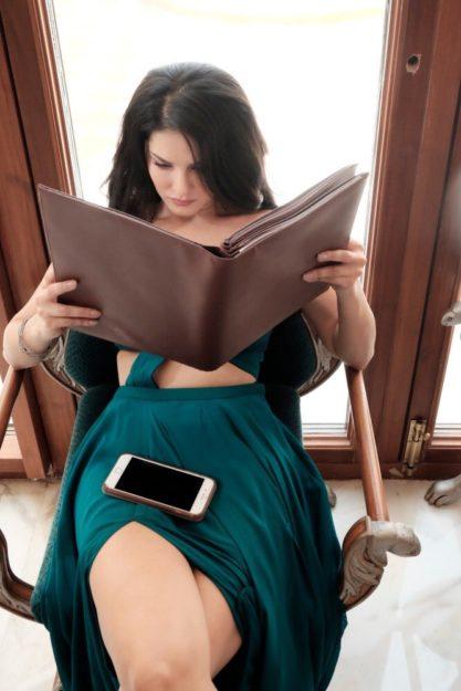 Absurdly Stunning Sunny Leone Sexy Photos - 6