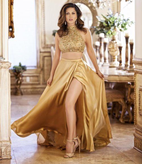 Absurdly Stunning Sunny Leone Sexy Photos - 3