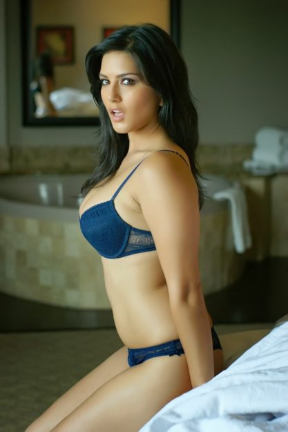 Absurdly Stunning Sunny Leone Sexy Photo - 19
