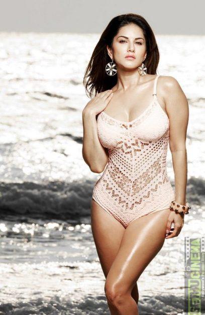 Absurdly Stunning Sunny Leone Sexy Photo - 18