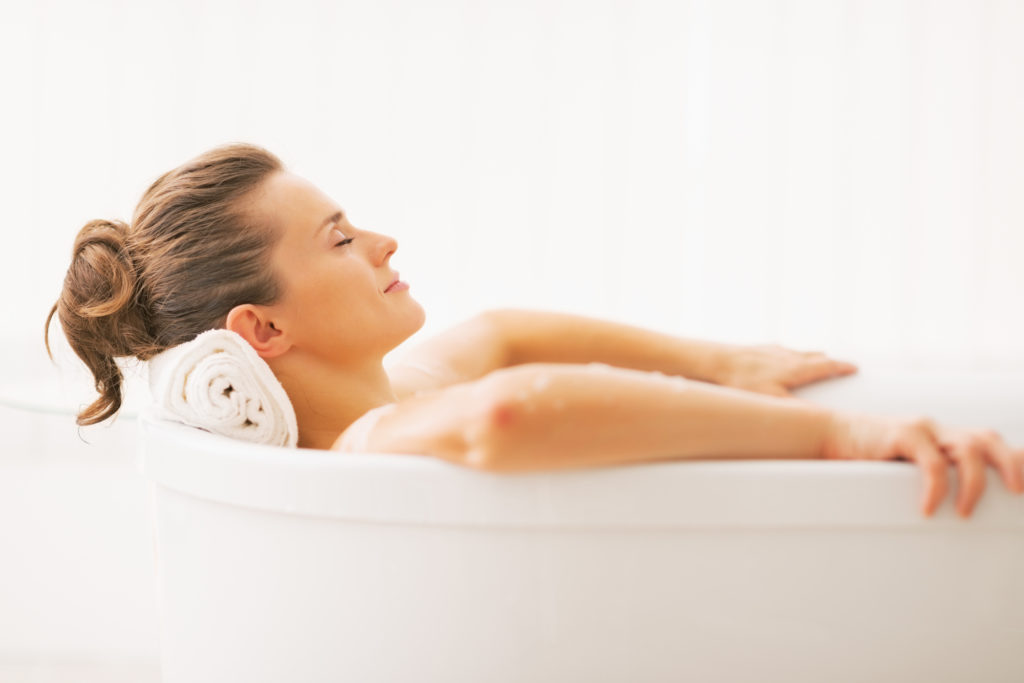 what is the best material for a bathtub